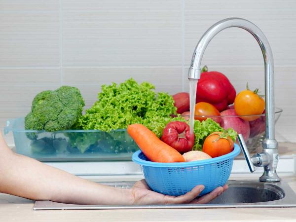 COVID-19: Wash fruit and vege in water only
