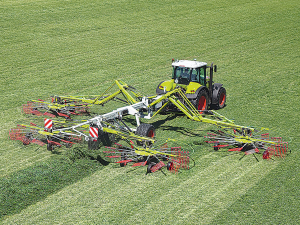 Today's top-of-the-line Claas Liner 4000 has 15.5m operating width.