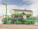 Great Plains' 8-row planter has been developed for the Australasian market.