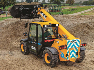 JCB has released it's first 100% electrical loadall telehandler.