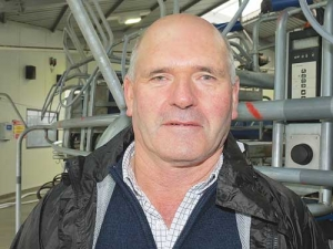 Corporate farmer Trevor Hamilton believes Fonterra farmers would be better served by a smaller group of people.