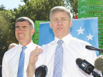 Bill English and Nathan Guy on the election campaign last week.