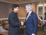 Damien O'Connor meets India's Commerce Minister Piyush Goyal in Philippines last week.