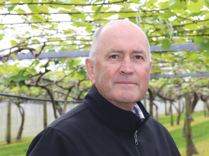 HortNZ chair Barry O'Neil believes a shortage of both labour and water storage present challenges for the horticulture sector going forward.