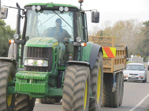 NZ rural contractors bring in overseas operators every spring from Europe, UK and the US to supplement local operators in harvesting crops and silage.
