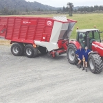 Leighton (left) and Scott Campbell with Lely Tigo PR