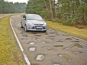 The 1.5km test track replicates 100 potholes and surfaces from 50 countries.
