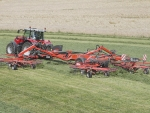 The Kuhn GA 15131 machine, with a working width of 14.7m, should warrant a closer look.
