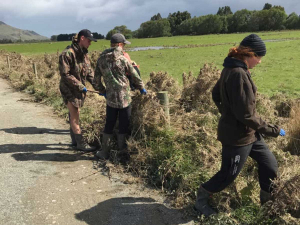 Farmy Army volunteers. Photo: Southland Federated Farmers/Facebook.