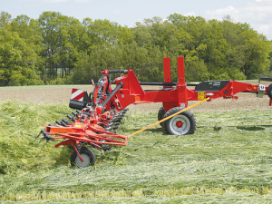 Kuhn's new gyrotedders have the capacity to ted up to 15ha per hour.
