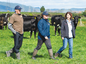 Farmers Chris and Aleisha McCormack with CRV Ambreed's Janine Broekhuizen.