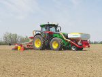 Pöttinger has expanded its range of Aerosem pneumatic seed drills, with the addition of 4 metre and 5 metre folding version units with a front hopper.