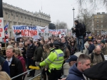 Farmers march on London