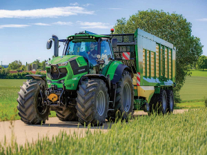 The new new 8280 TTV is aimed at filling the gap between its current Deutz Fahr 7 and 9 Series models.